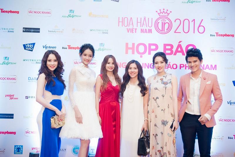 Họp báo Chung khảo phía nam Hoa Hậu Việt Nam 2016: Phút lắng lòng giữa thời đại