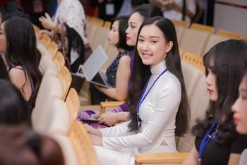 Những tà áo dài trong ngày sơ khảo phía Nam – Hoa hậu Việt Nam 2016