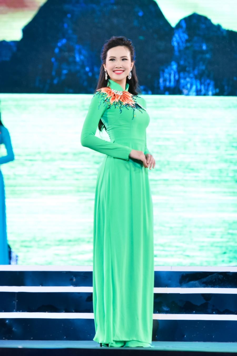 Thí sinh Sái Thị Hương Ly sinh năm 1994, đến từ Hải Dương.