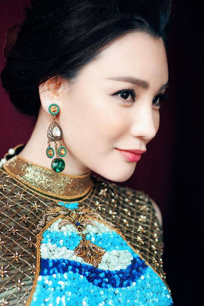 Ho Quynh Huong 2 - photo Kim Banh troi nuoc