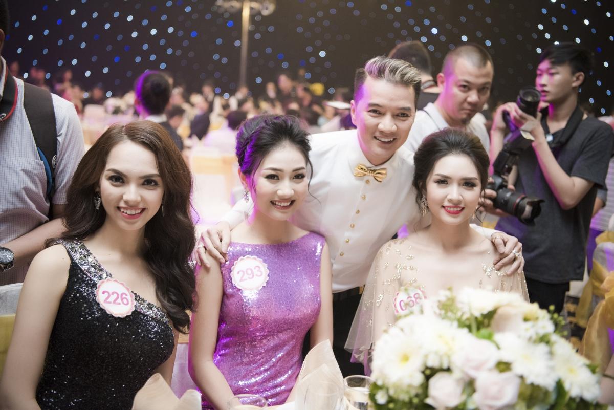 Ca si Dam Vinh Hung va thi sinh 3