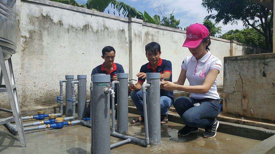 """""""Mang nước sạch về làng"""" – nhiệm vụ mang nhiều xúc cảm của thí sinh HHVN"""