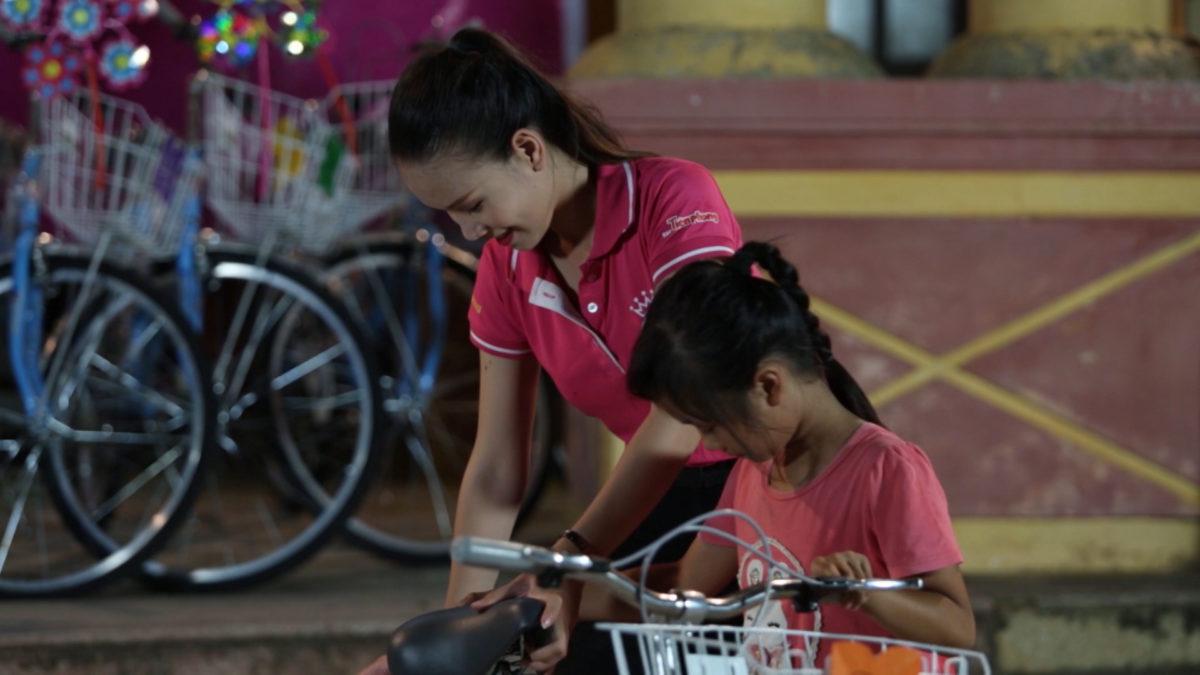 Tặng 71 chiếc xe đạp, Phương Trang mang lại niềm vui cho trẻ em huyện Mỹ Đức
