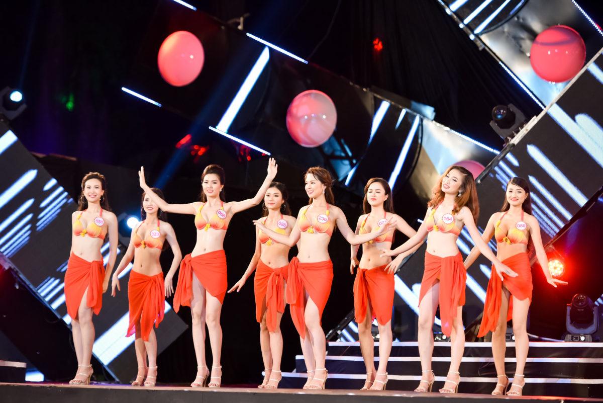 Phần trình diễn bikini nóng bỏng của các thí sinh Hoa hậu Việt Nam | Top 4