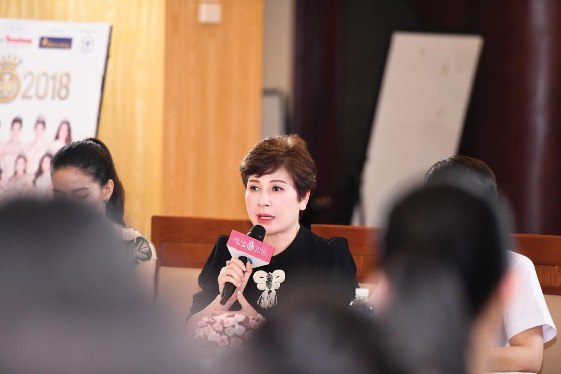 Cố vấn sắc đẹp Đặng Thanh Hằng tận tình chia sẻ kinh nghiệm làm đẹp cho thí sinh HHVN 2018
