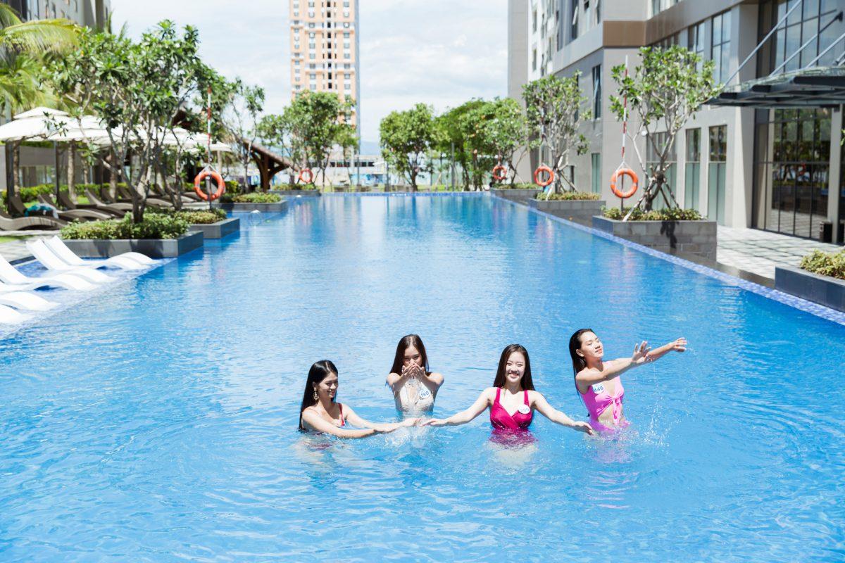 Thí sinh Miss World Vietnam 2019 diện bikini nóng bỏng, thả dáng bên bể bơi đốt mắt người nhìn