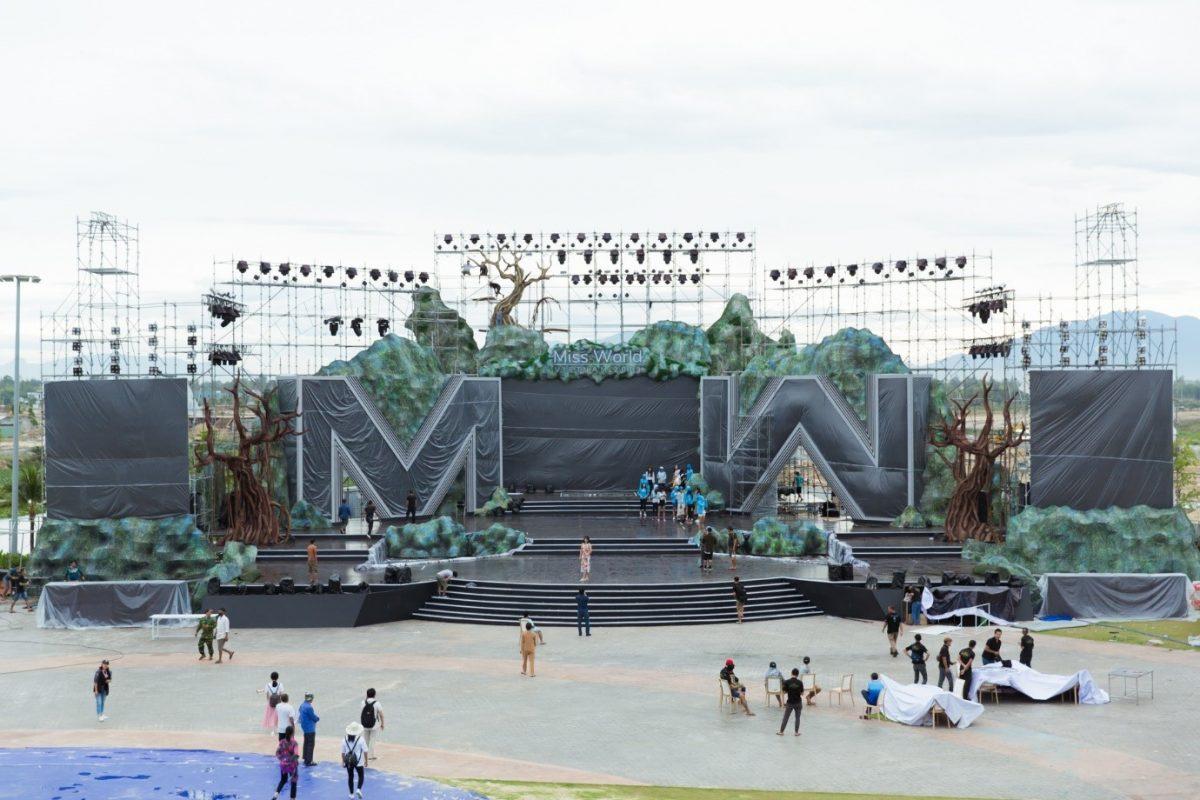 Choáng ngợp với sân khấu hàng nghìn mét vuông của Chung kết toàn quốc Miss World Vietnam 2019