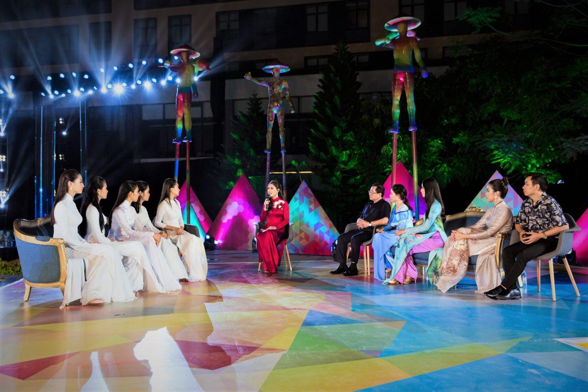 Hoa hậu Trần Tiểu Vy bật khóc xúc động trước dự án nhân ái của Miss World Việt Nam