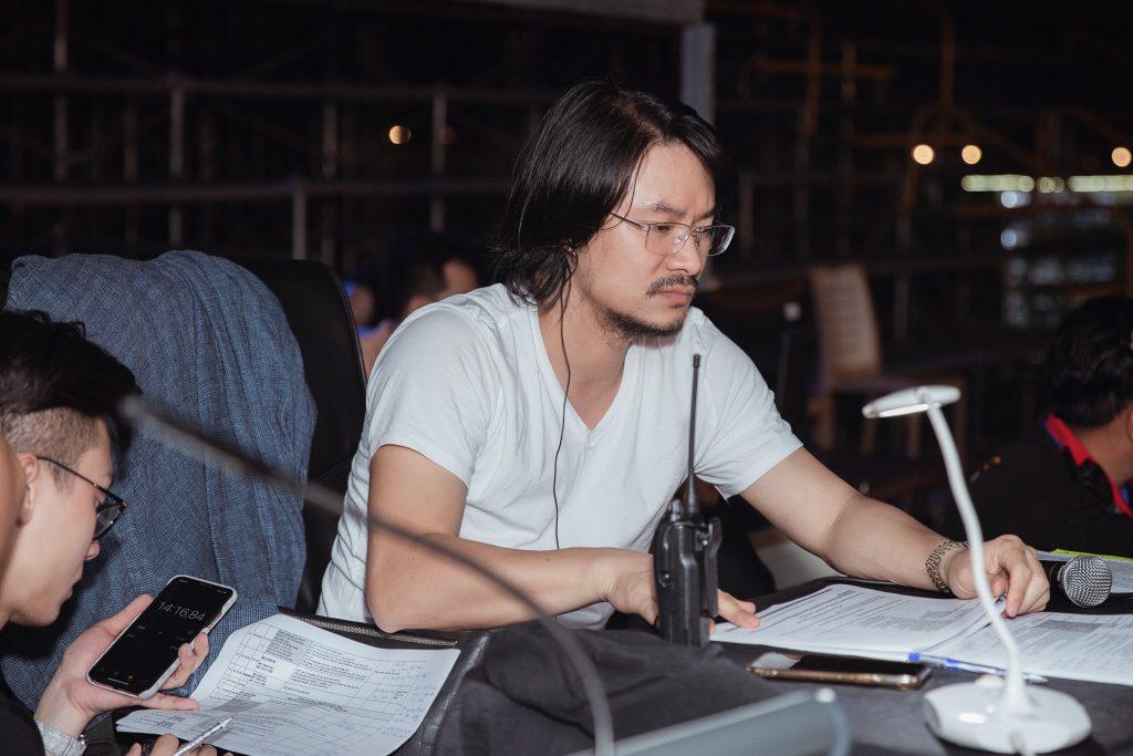 """""""Phù thủy sân khấu"""" Hoàng Nhật Nam tiết lộ quá trình thiết kế sàn runway sát biển 40m tại Vũng Tàu"""